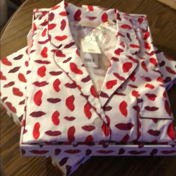 Tory Burch Other - Tory Burch pajamas set XL box valentine new